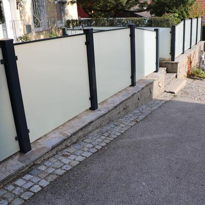 Aluminum Zaun mit Glas (Satinato)
